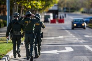 Apuñalados Universidad California policía tiroteo balacera